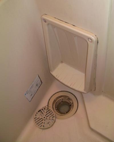 浴室の排水口 ハウスクリーニング前