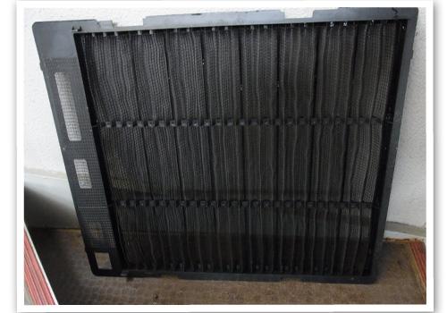 天井埋め込み式エアコンのフィルター ハウスクリーニング後