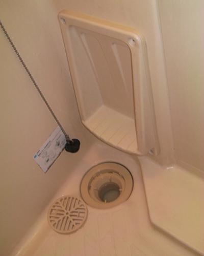浴室の排水口 ハウスクリーニング後