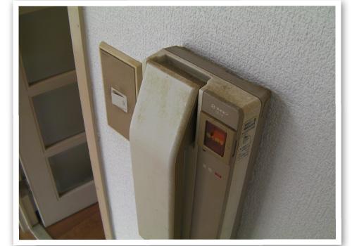 インターフォン室内子機 ハウスクリーニング前
